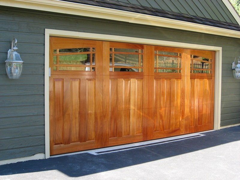 When Should I Replace a Garage Door with a New One?